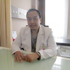 dr Yossy Ririsdianto, Sp