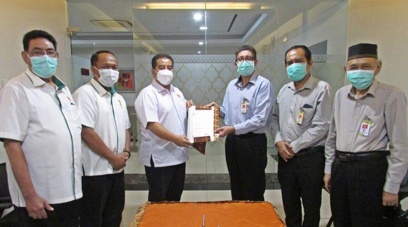 Rsalirsyadsurabaya.co.id – Teken MoU, KONI Jatim Kerja Sama dengan RS Al Irsyad Surabaya dalam Layanan Kesehatan Atlet